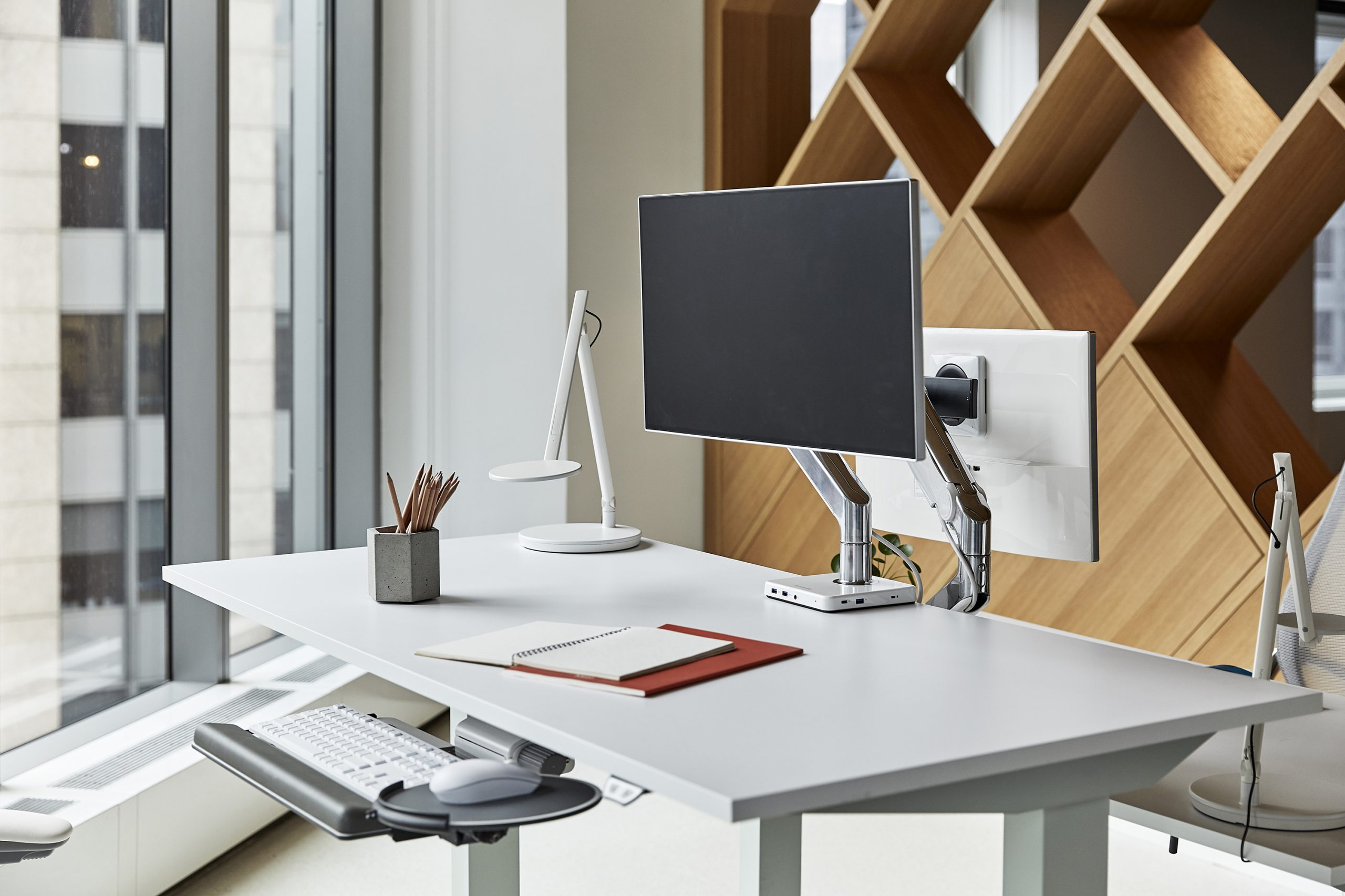 Humansolution Sit Stand